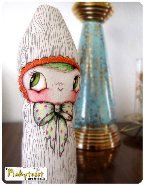 Wood worm doll pinkytoast