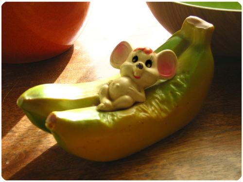 Banana mouse toy pinkytoast