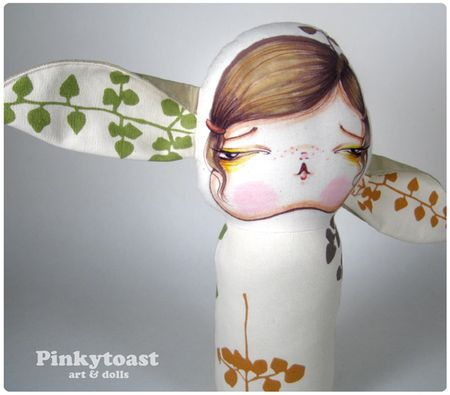 Bunny girl has flowers in her ears mummy doll pinkytoast 2