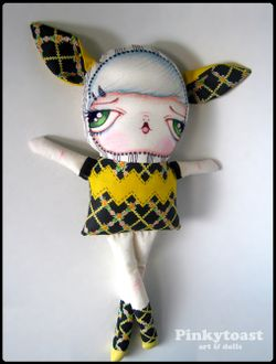 Long leg yellow zigzag cat girl doll pinkytoast