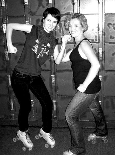 Sandra and sister roller skates 3