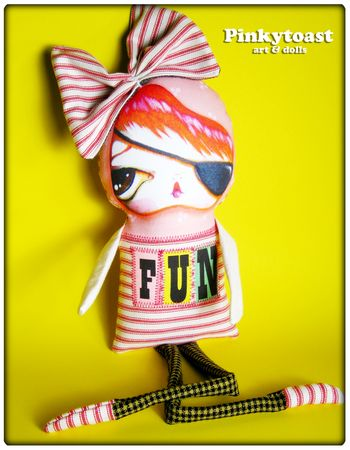 Fun 4 girl in eye patch and bow pinkytoast art doll