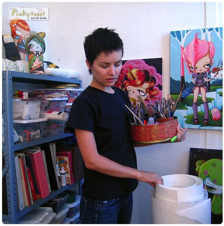 Pinkytoast studio w unicorn painting