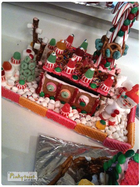 Christmas gingerbread house pinkytoast