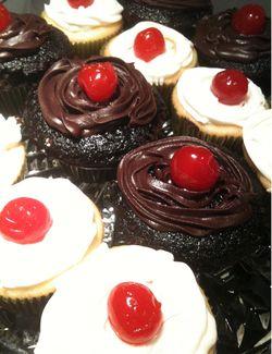 Pinkytoast birthday cupcakes blog