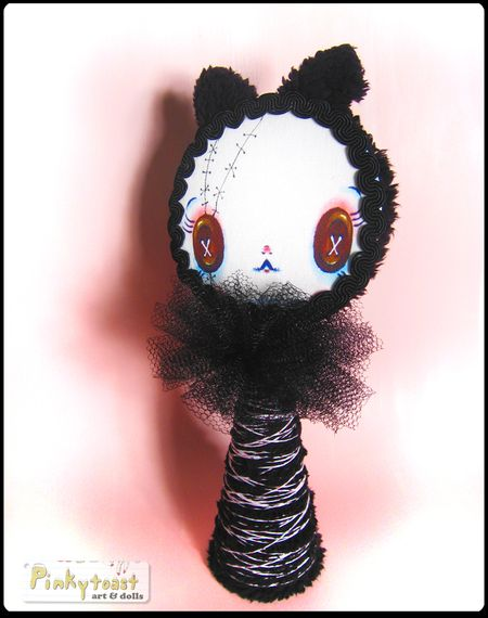 Gothic kitty cone doll pinkytoast button eyes