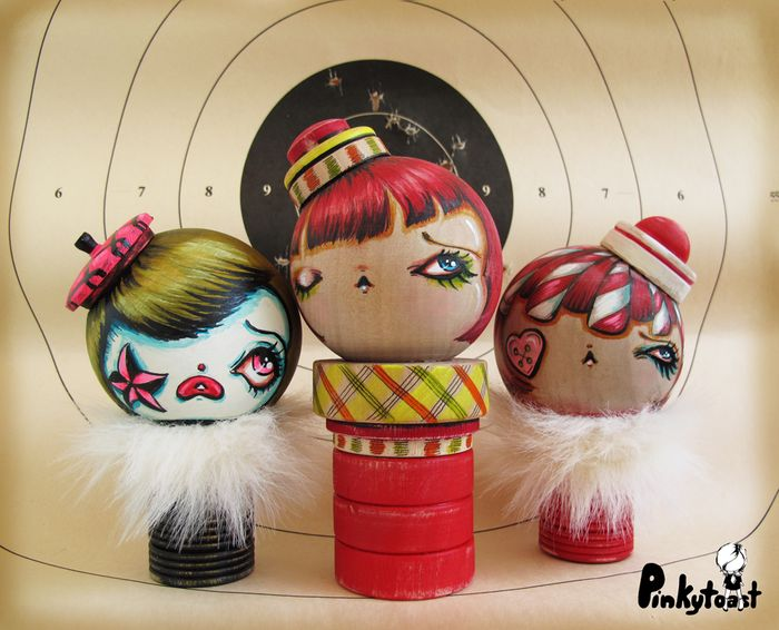 1 red girl carnival clown doll kawaii noir kokeshi pinkytoast art